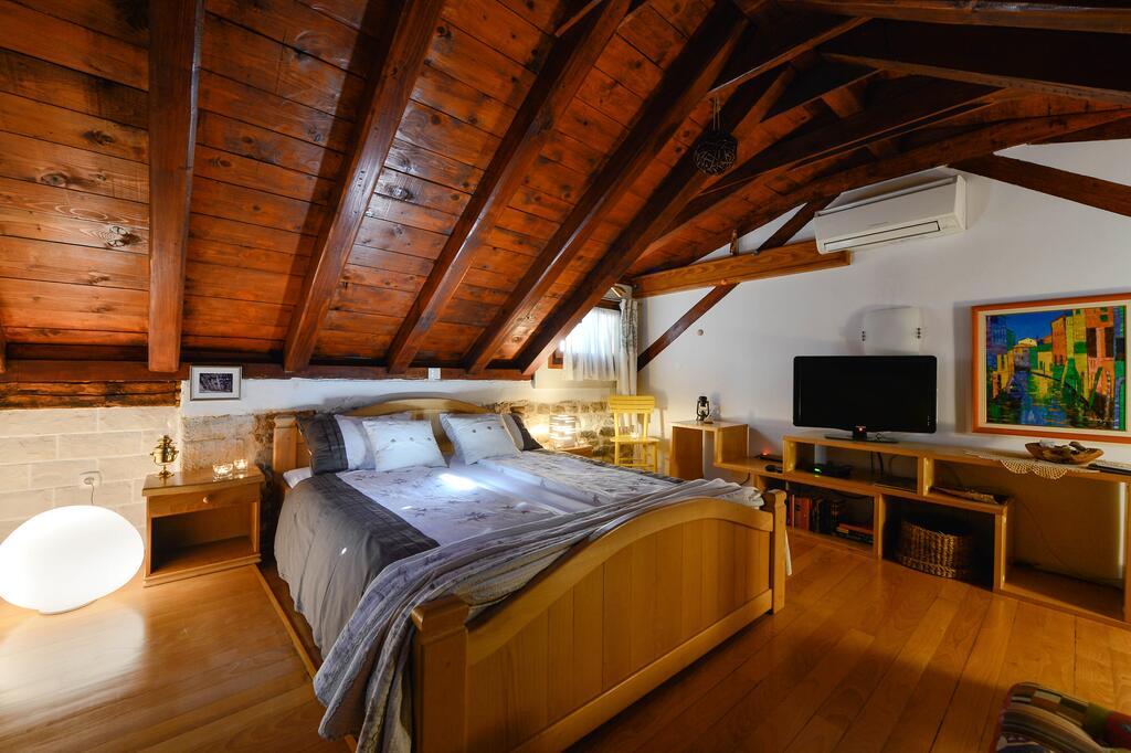Salvezani apartments Split 9